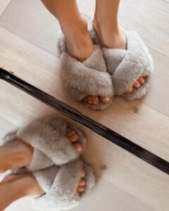 Three types of bestselling slippers