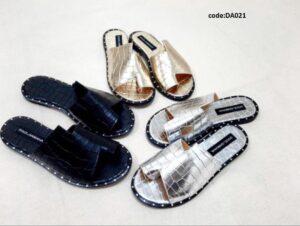 _DENASHOESSome points about plain slippers