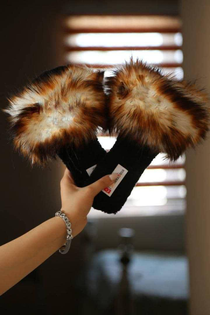 Wholesale Fuzzy slippers